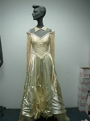 VINTAGE 1940s IVORY SATIN w LACE WEDDING GOWN with BEADED FLORAL EDGE STUNNING!