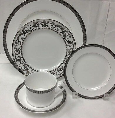 "Spode ""Argent"" 5 Piece Place Setting Bone China New In Box Made In England"
