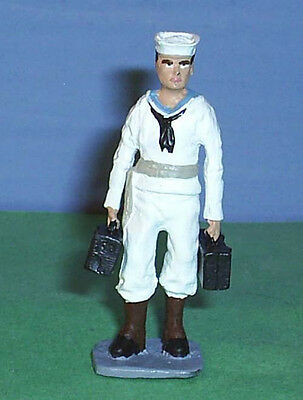 TOY SOLDIERS METAL AMERICAN WWII US NAVY SAILOR HOLDING AMMO CASES 54MM