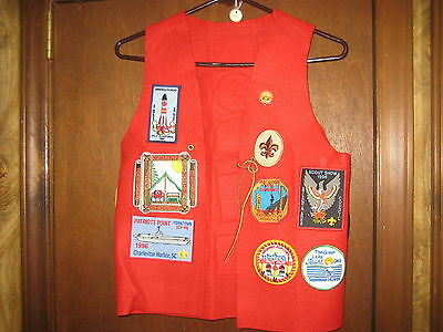 Boy Scout Red Felt Vest with Atlanta Area Council Patches & Trails End Pin  eb05