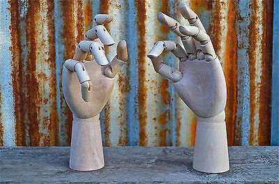 SUPERB PAIR OF ARTICULATED WOODEN HUMAN HANDS ARTIST HAND MODEL MOVING JOINTS