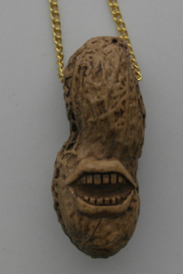 1976 Authentic Jimmy Carter Smile Gold Color Election Peanut Necklace