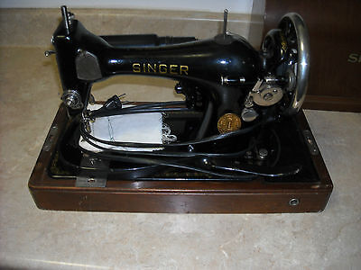 VINTAGE SINGER SEWING MACHINE, WITH BENTWOOD CASE, KEY,MANUAL/GREAT CONDITION