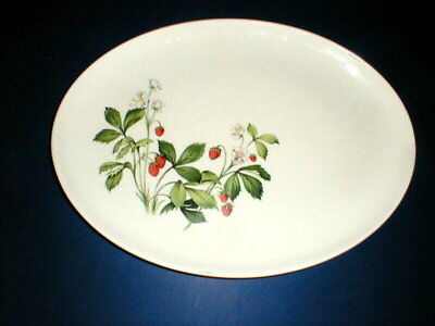 "Taylor Smith Taylor Versatile STRAWBERRY 13"" Platter"