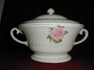 Theodore Haviland New York REGENTS PARK ROSE Covered Vegetable Bowl w Lid