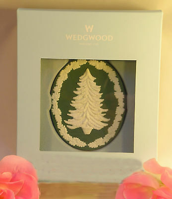 New Wedgwood Green Jasperware Cameo ChristmasTree Ornament Holiday Porcelain2011