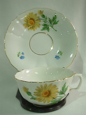 MEISSEN HAND PAINTED YELLOW DAISY SCATTERED FLOWERS CUP SAUCER W/CROSSED SWORDS