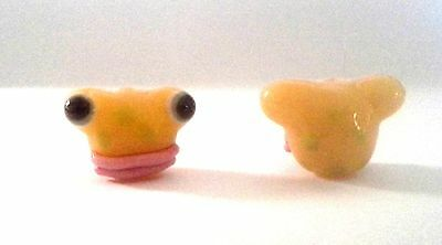 2 Yellow Frogs with Lips Chinese Lampwork Beads - So Very Cute!