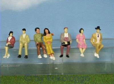 F36 1 gauge - 7 Pieces Seated Figures 1:32 also for Race track Stand Viewers