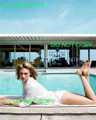 JANUARY JONES - 8x10 Photo - POOLSIDE - MAD MEN HOTTIE