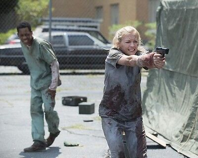 Walking Dead, The [Emily Kinney & Cast] (55965) 8x10 Photo