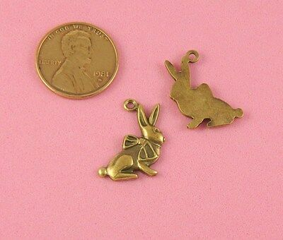 ANT BRASS RIBBON BOW RABBIT CHARM WITH FLAT BACK - 1 PC(s)