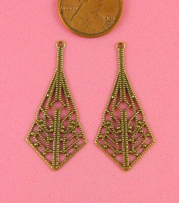 VINTAGE DESIGN ANT BRASS PAIR TRIANGULAR EARRINGS - 2 PC(s)