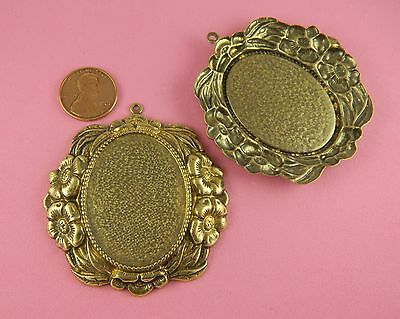BEAUTIFUL ANT BRASS NOUVEAU FLORAL OVAL MOUNTING DROP - 1 PC(s)