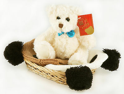 BABY HATS & TEDDY BEAR GIFT SET IN BASKET (age 1 - 4 yrs). New & shrink wrapped.
