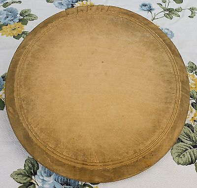 VINTAGE TRADITIONAL SHABBY WOODEN CARVED BREAD BOARD