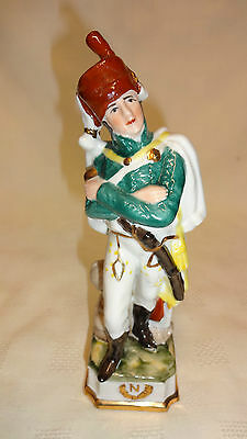 VINTAGE ITALIAN PORCELAIN FIGURE OF A NAPOLEONIC ERA MILITARY SOLDIER/OFFICER