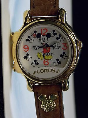 Mens Vintage Disney Lorus Musical Mickey Mouse Watch (Plays Small World & March)