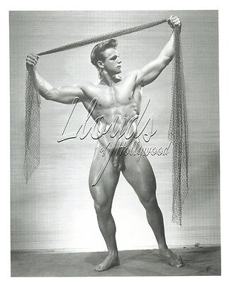 VIC SEIPKE PHYSIQUE BODYBUILDER FULL FRONTAL NUDE WITH NET  PHOTOGRAPH 1952