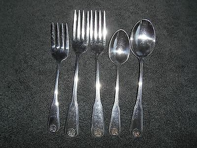 Wm.A. Rogers Deluxe Stainless Flatware Colonial Mood Oneida Ltd 5 Pieces