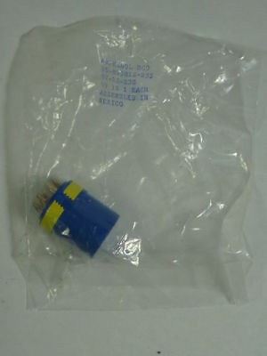 Amphenol 10-825812-23S Connector Socket Male ! NEW !