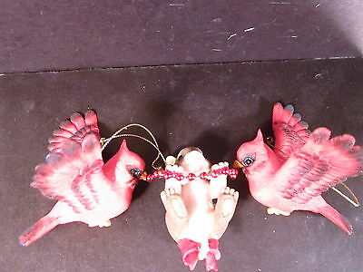 """Charming Tails MOUSE WITH TWO CARDINALS ORNAMENT  3 1/2"""" X 7"""""""