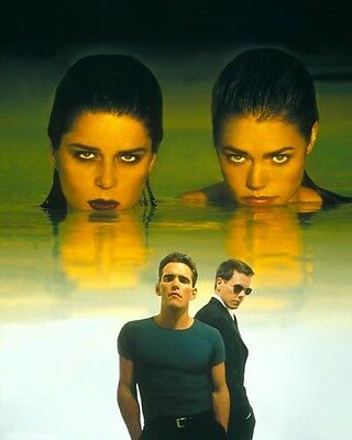 Wild Things [Neve Campbell/Denise Richards & Cast] (56615) 8x10 Photo