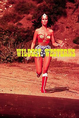 LYNDA CARTER Sexy Busty Photo HOT CLEAVAGE Wonder Woman RUNNING ACTION Rare