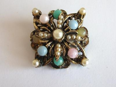 VINTAGE 40'S PINK GREEN BLUE MOONGLOW LUCITE BEAD PEARL GOLD TONE BROOCH