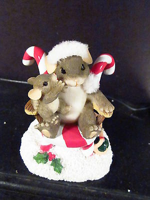 Charming Tails  SECRETS FOR SANTA 87/119 Mouse Candy Cane Chair