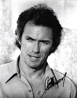CLINT EASTWOOD HAND SIGNED 8x10 PHOTO AUTHENTIC AUTO PICTURE  w/ PROOF PIC & COA