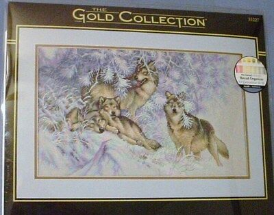 NEW DIMENSIONS WINTERTIME WOLVES Wolf Gold Collection Counted Cross Stitch Kit