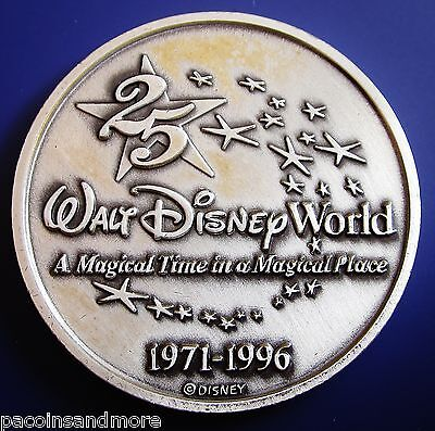 Disney World Resorts~ Bronze 25 Anniversary 1996 ~Vintage Medal~Amazing w/ Case