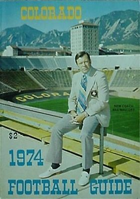 1974 COLORADO BUFFALOES FOOTBALL MEDIA GUIDE (BILL MALLORY 1ST YR, WHIZZER WHITE