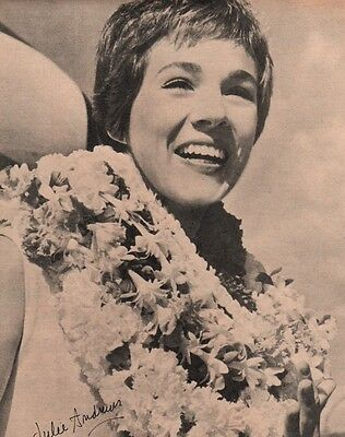 Julie Andrews in Hawaii Clipping Magazine Photo orig 1pg 8x10  L8635