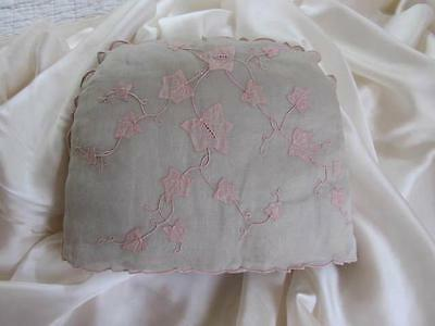 Vintage 'Marghab Linen' Tea Cosy Ivy Pattern pretty pale Pink