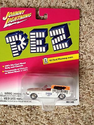 Johnny Lightning Rare WHITE LIGHTNING 65 PEZ Mustang 1/64 scale