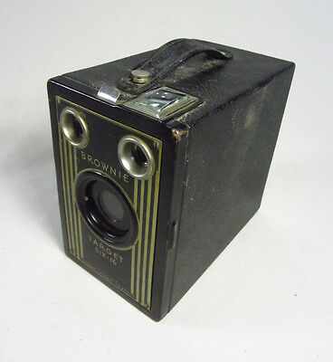Vintage Kodak Six-16 Brownie Art Deco Box Camera - Circa 1930's