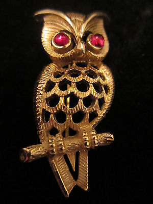 """Cool Vtg 1-3/4"""" Signed Avon Gold Tone Owl Brooch Pin Red Eyes A59"""