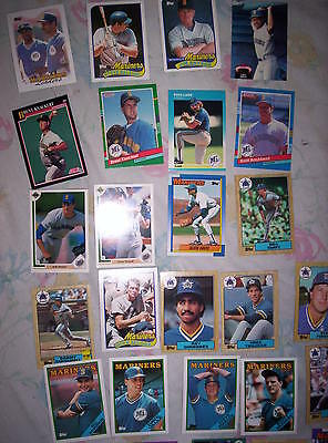 LOT OF  27 BASE BALL CARDS    Mariners