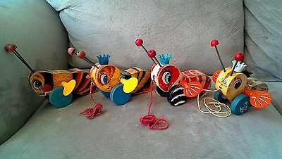 Antique Vintage Fisher Price Wood Pull Toys Lot Buzzy Bee & Queen Buzzy Bee Busy