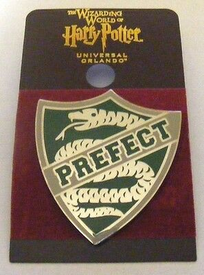 Wizarding World of Harry Potter SLYTHERIN CREST PREFECT BADGE Trading Pin~SNAKE