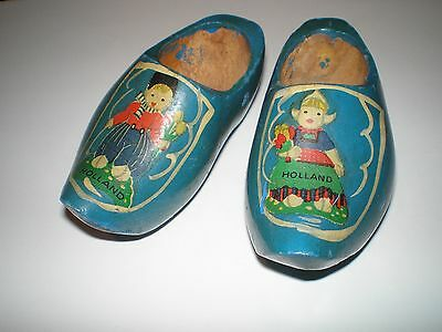 "VINTAGE BLUE PAINTED CARVED DUTCH WOODEN SHOES ""HOLLAND"" BOY & GIRL COSTUMES 4"""
