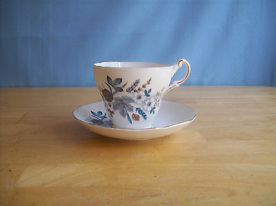 Regency Bone China White Flowers Blue And Gray Leaves Teacup And Saucer England