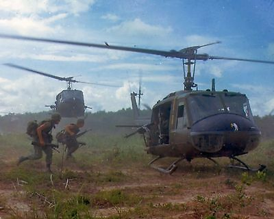 Uh-1D Huey Helicopter Vietnam War U.s. Military Army Photo
