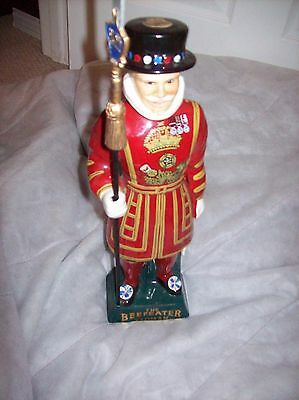 """16"""" CARLTON WARE BEEFEATER  YEOMAN, FIGURINE, GREAT CONDITION"""