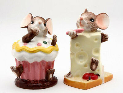 New PORCELAIN Figurine Salt Pepper Shakers Set MICE CHEESE CUPCAKE Statue Figure