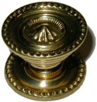 SHERATON STYLE STAMPED BRASS KNOB 1in  B0357