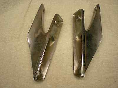 PAIR 1970 Ford  Wagon Roof Rack Bracket  DOAB-7155134-A  DOAB-7155143-A NOS