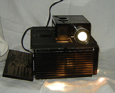 Bell Howell Slide Cube 987 Projector w/ 15 Cubes